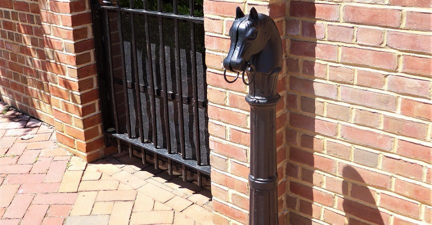 Hitching Posts in Annapolis – Forgotten Galicia